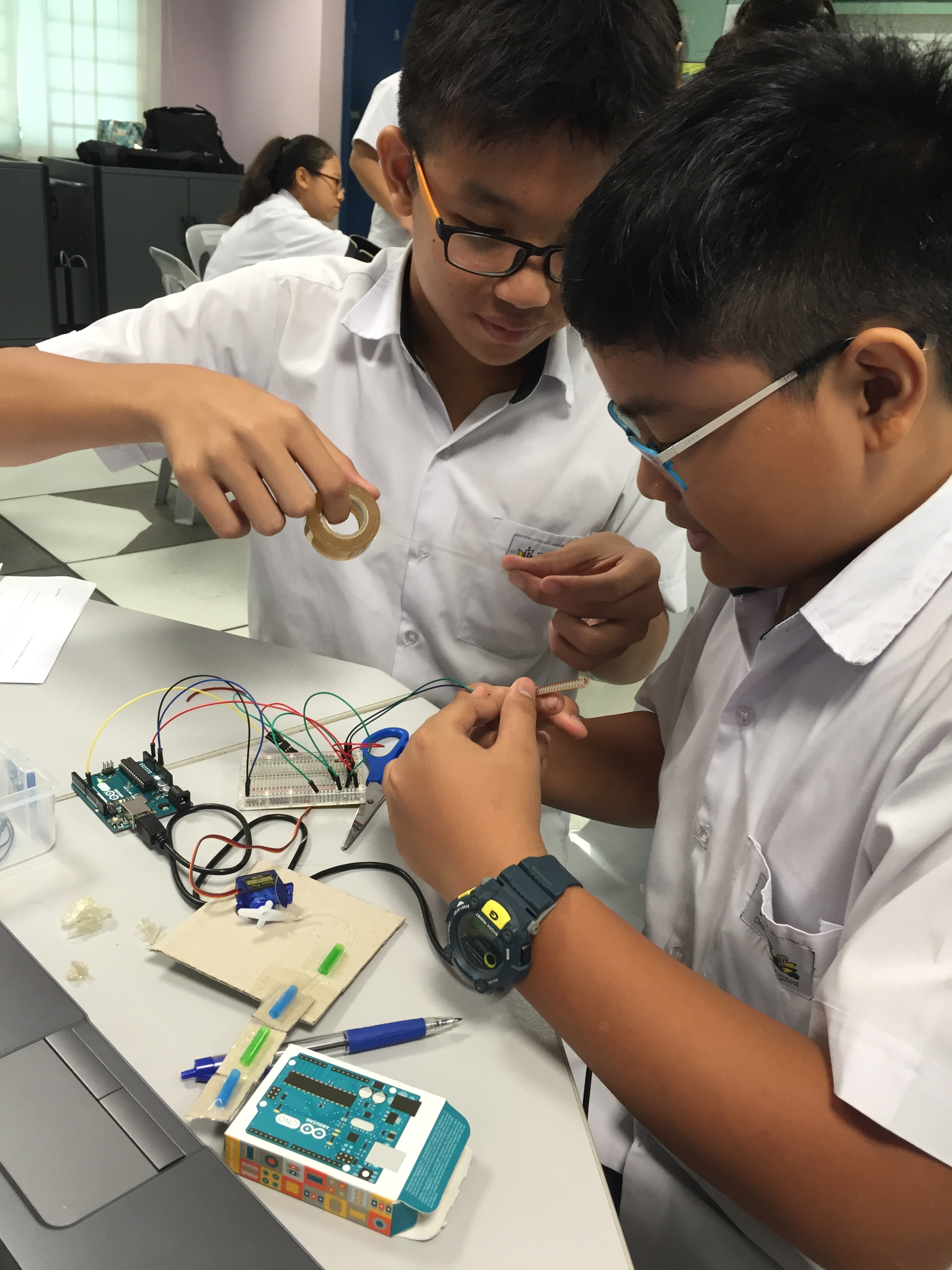 4. Students Engaged in CHR STEM ALP.JPG